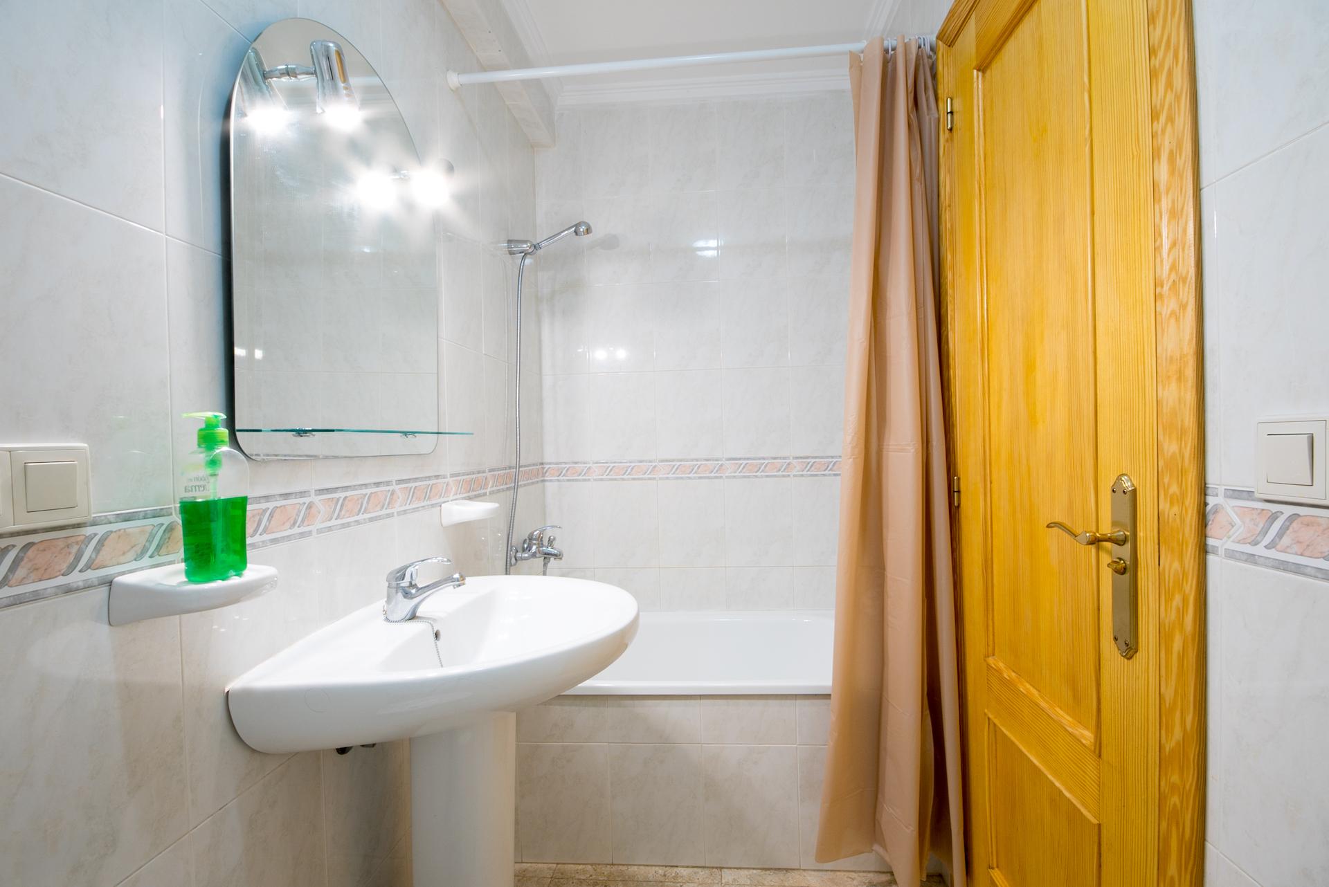 Caudiel - Casa Maestro - baño con bañera