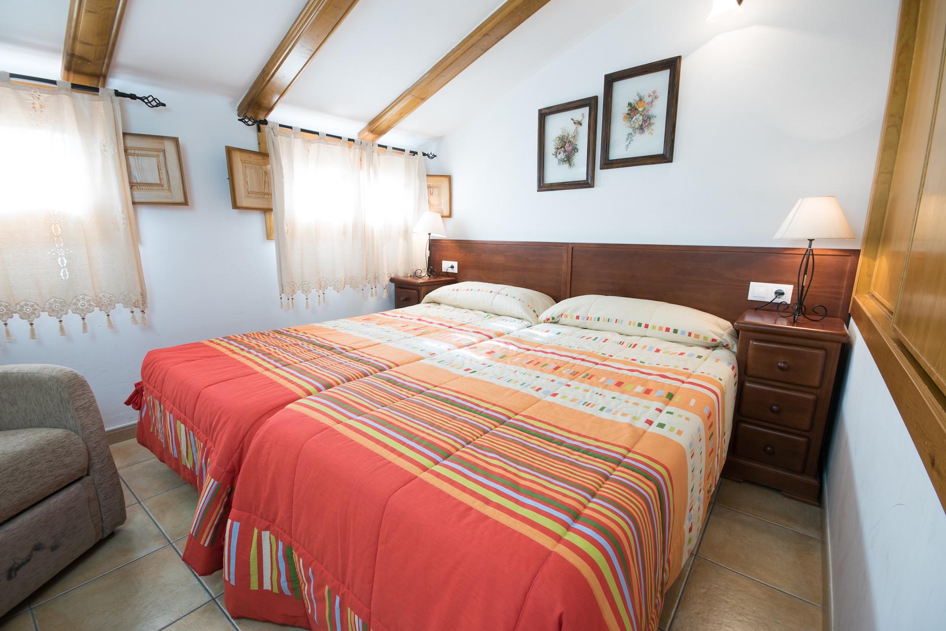 Caudiel - Casa Vista Alegre - Habitación Abuhardillada Doble